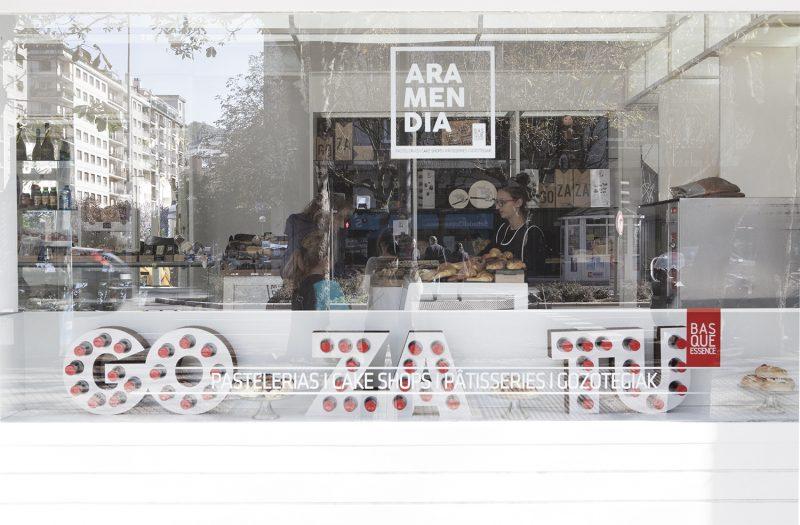 Iraila-erakusleihoa-Aramendia-Donostia-2015-portada